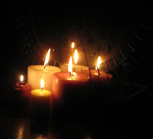 Christmas Eve Candlelight Service: December 24, 5-6 pm